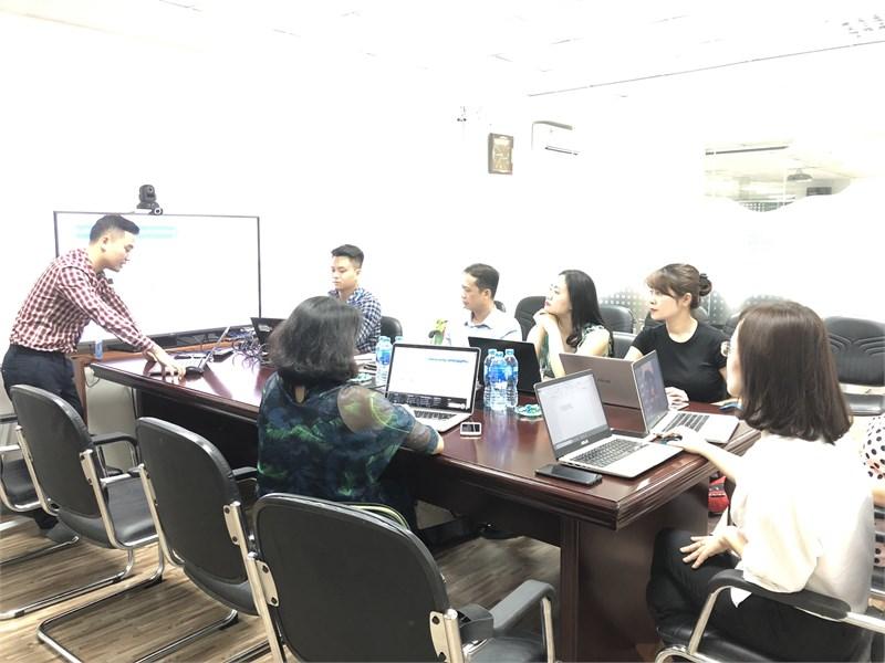 Bộ môn Quản trị Marketing trải nghiệm công nghệ mới trong ngành Marketing