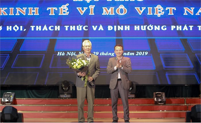"""Hội thảo """"Những vấn đề kinh tế vĩ mô Việt Nam: Cơ hội, thách thức và định hướng tương lai"""""""